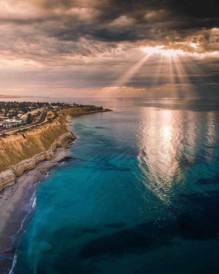 #SouthAustralia (@southaustralia) | Twitter South Australia‏Verified account @southaustralia   Sunshine on a rainy day at #PortWillunga, just around the corner from @McLarenValeWine ☁ http://bit.ly/McLarenValewneRGN …