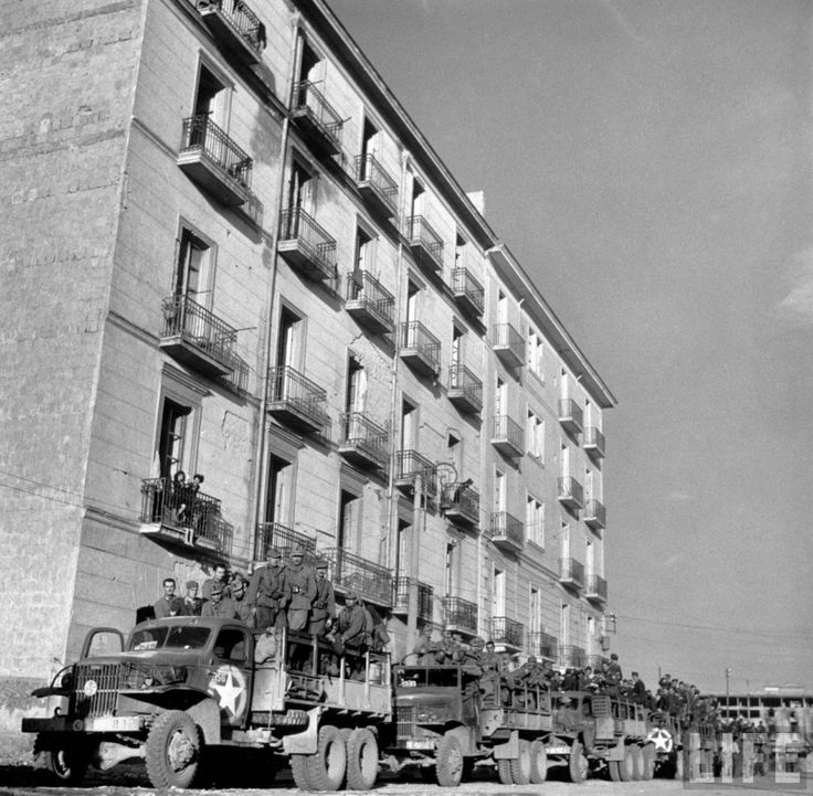 Photos of Naples in 1943 in 36th Infantry Division Forum