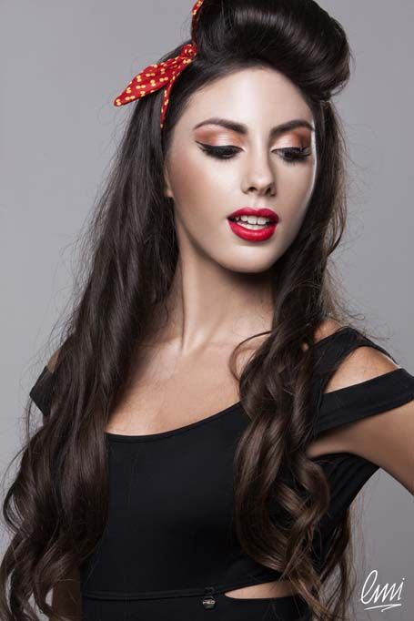Pin up style and guicy red lips! #makeup #pinup #eyeliner #redlips #red #fashion #style