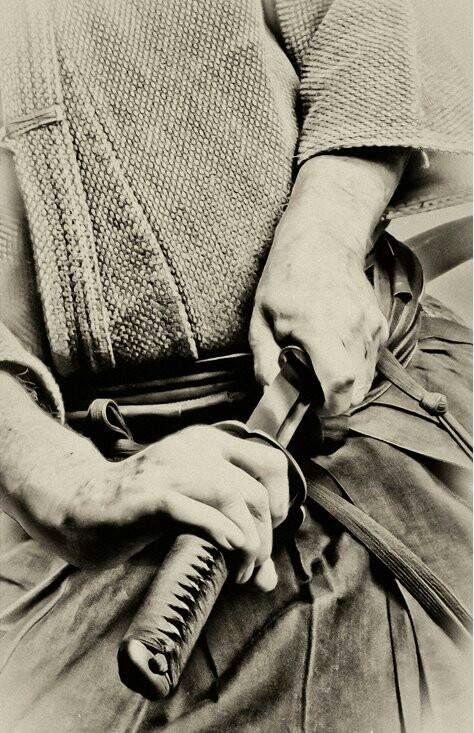 [Bild: abc310b2f2383370c6feb94290d04d8a--katana...swords.jpg]