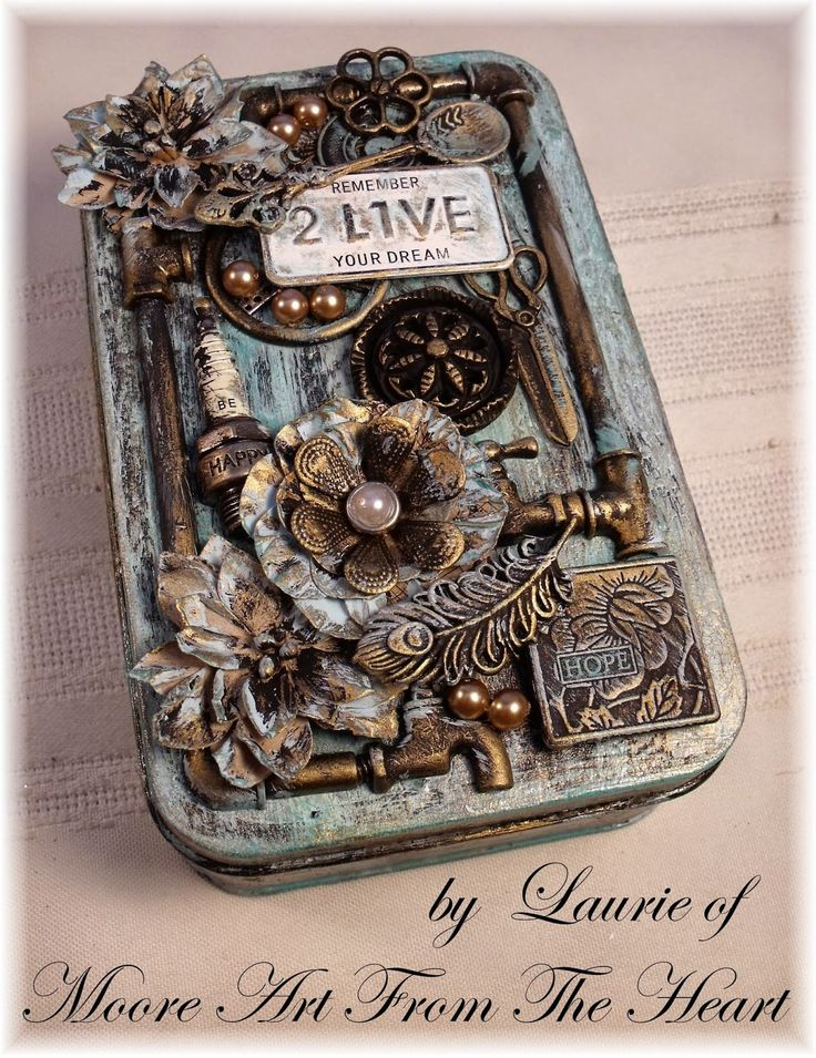 http://mooreartfromtheheart.blogspot.de/2014/09/tin-with-painted-patina.html