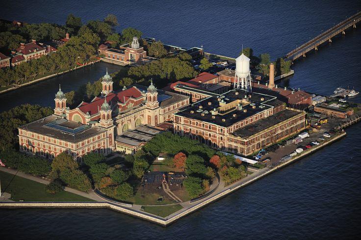 остров Эллис: 23 тыс изображений найдено в Яндекс.Картинках