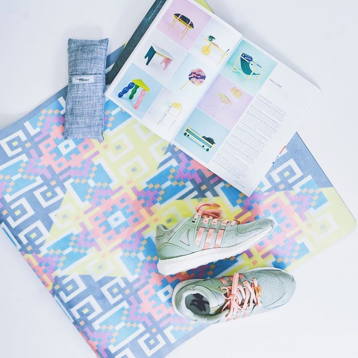 Kick off your shoes, pick up a good read, get your YR mat & lay down into Savasana. Our eye pillow is a definite must have for added relaxation 😌🌟 #YRliving #yoginirepublic