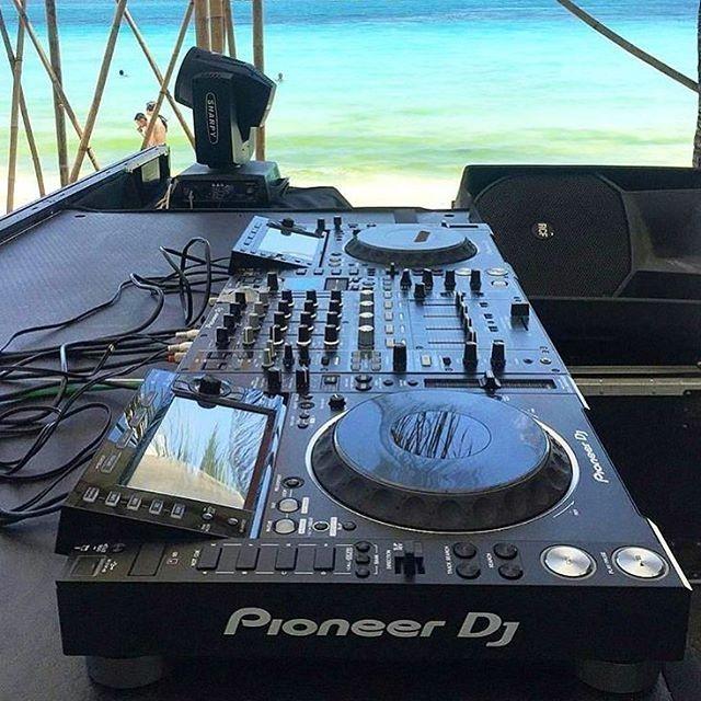 Feliz comienzo de semana a todos!  Envia tus aportes al DM y etiqueta a tus amigos en comentarios  #Atopemusic #PortaldeDjsOficial #Acarigua #Venezuela #InstaDjs #Producers #Techno #House #EDM #Festival #Reggaeton #instadaily #siguemeytesigo #followme #tags4likes #f4f #Salsa #Merengue #Turntable #Amplifier #Club #EDM #ibiza
