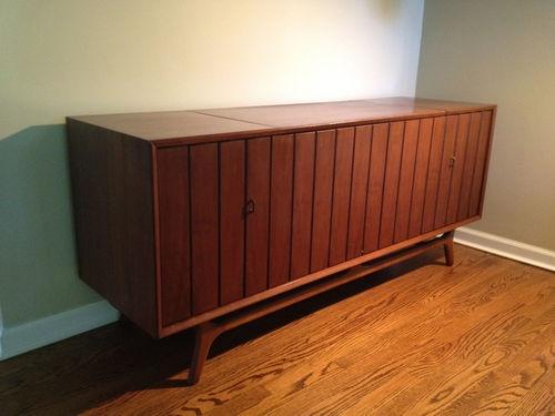 Retro zenith console record player am fm stereo 1960 39 s for Zenith sofa table