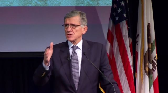 Nov 25 Verizon promises not to sue over net neutrality—if FCC avoids utility rules. But Verizon's past actions make its claim potentially difficult to believe.