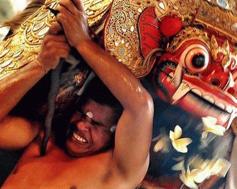 Anggapan Keliru Mengenai Orang Bali