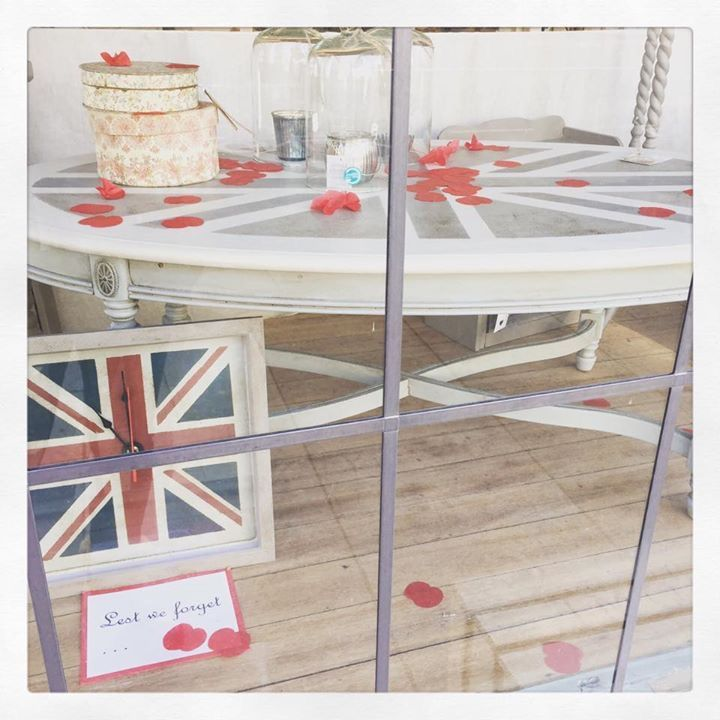 x For Sale x A beautiful table painted with the Union Jack available at Jilly, Tilly @ Boo x