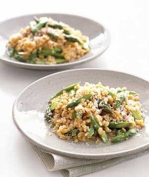 Barley Risotto With Asparagus and Parmesan -- I think that I will try this with Broccoli or fresh green beans