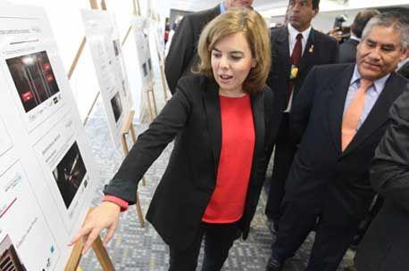 Sáenz de Santamaría se reúne en Perú con las principales empresas españolas en aquel país - http://plazafinanciera.com/saenz-de-santamaria-reune-peru-principales-empresas-espanolas-aquel-pais/   #Perú, #SorayaSáenzDeSantamaría, #VisitaOficial #Política