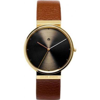 Denne vakre klokken produsert i Sveits for Jacob Jensen er allerede en moderne klassiker! Pris: 3 050,-