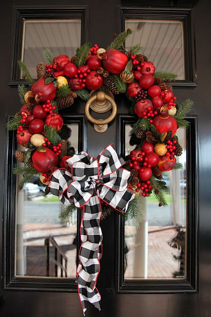 Black, white plaid with red (or use burlap for ribbon).: Christmas Wreaths, Doors Decor, Black Doors, Black And White, Ribbons, Chic Dress, Black White, Bows, Christmas Decor