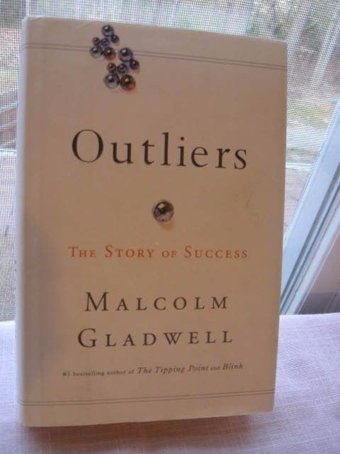 Outliers: The Story of Success Malcolm Gladwell  HC/DJ 2008 Little Brown