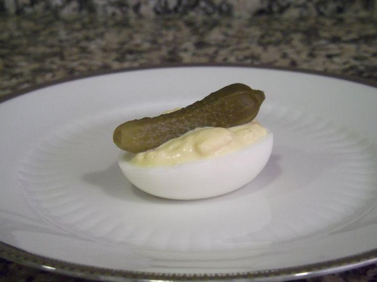 Huevos rellenos  La receta aquí:  http://hoytenemosparacomer.blogspot.com.es/2014/12/huevos-rellenos.html