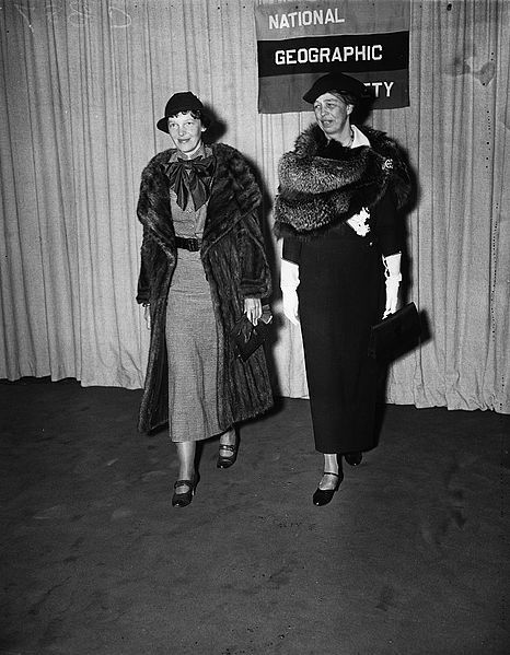 Amelia Earnhart and Eleanore Roosevelt, 1935, public domain via Wikimedia Commons.