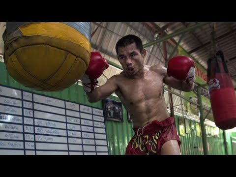 Undefeated Thai 'dwarf giant' one win from Mayweather record