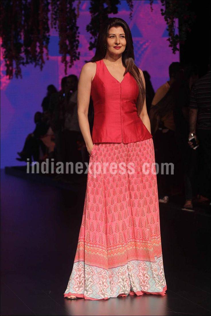 Sangeeta Bijlani at #LFW2016 show. #Bollywood #Fashion #Style #Beauty #Hot #Sexy #Ethnic