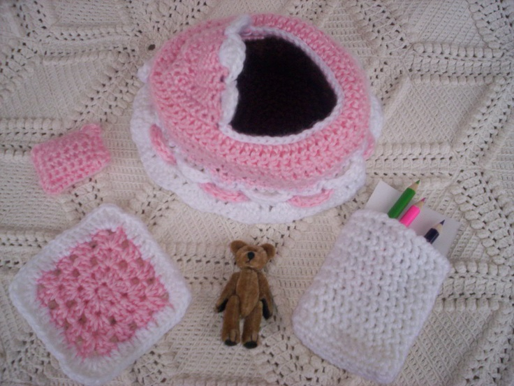 Crochet Baby Purse : 1000+ images about Crochet Baby Bassinet/Purse on Pinterest