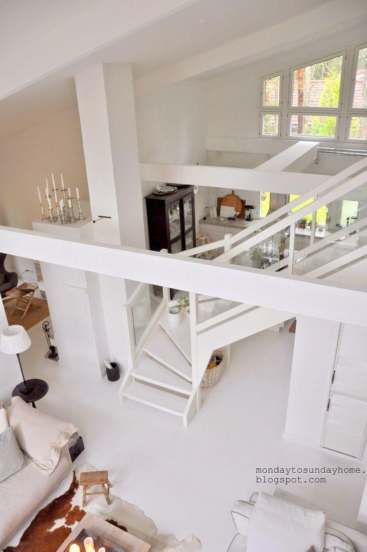 Dwupoziomowy dom w bieli