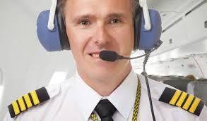 5.transportanto vidas por medio aereo llevandolos con el mayor de los cuidados