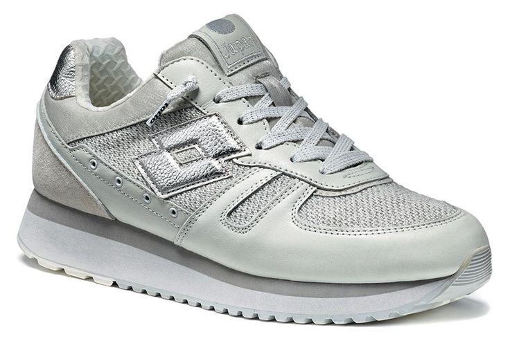 http://www.lottoleggenda.it/it/collezioni/donna/tokyo-wedge-w/pelle-e-knit/white-silver-metal