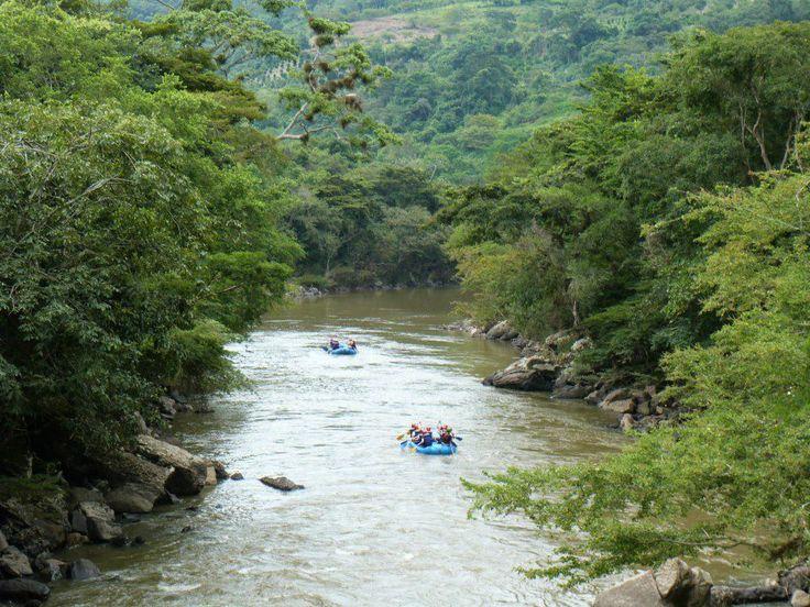 Canotaje rio Fonce, San Gil, Santander Colombia.