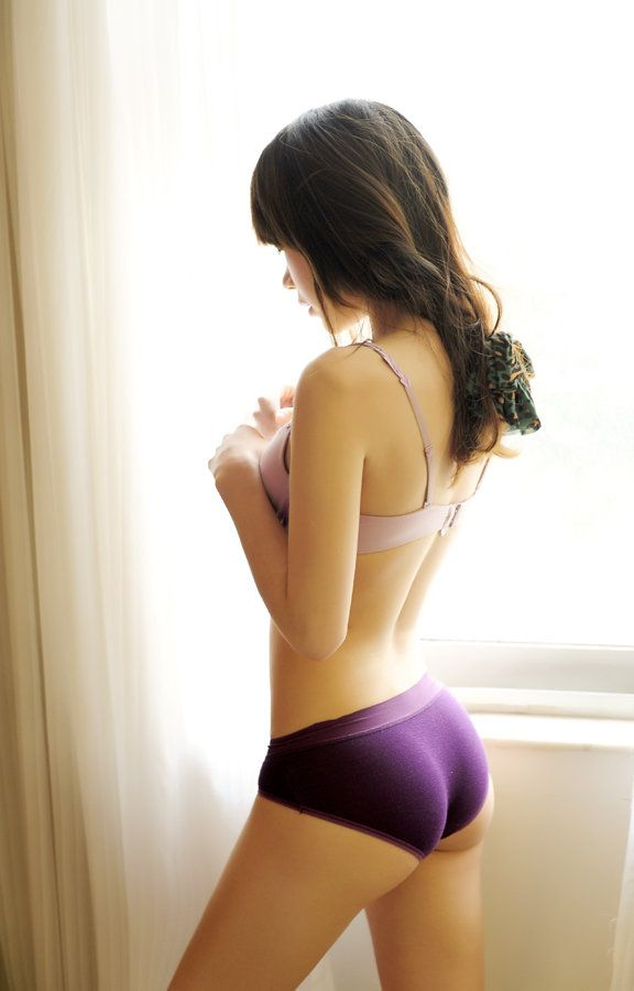 Very long hair nude women