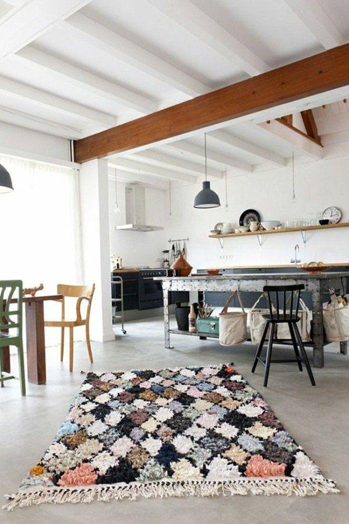 tapis berbere kilim pas cher dans la salle de sejour moderne
