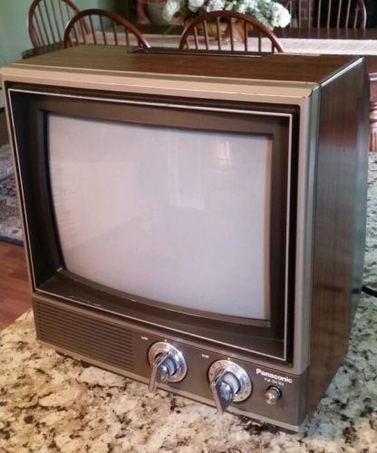 1982-VINTAGE-PANASONIC-QUINTRIX-II-TV-CT-1110B-CLEAN