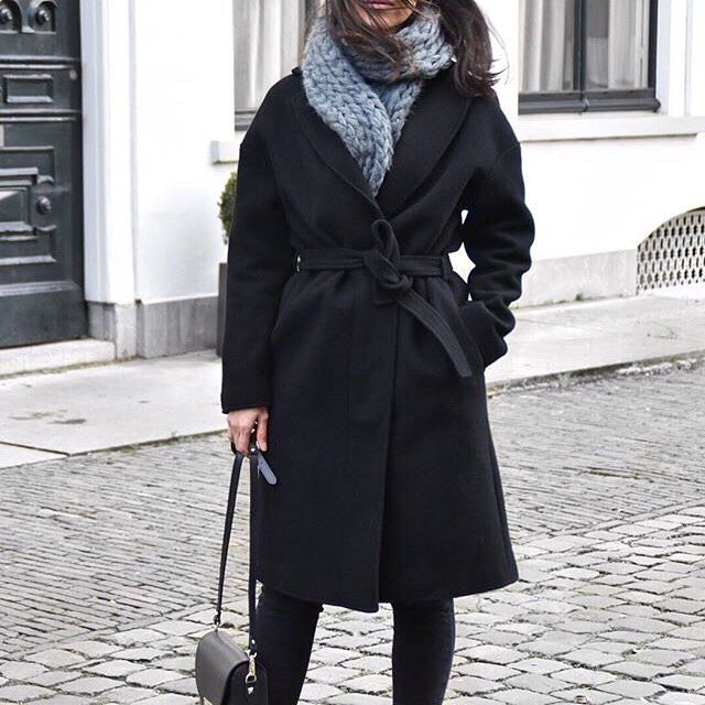 While waiting for spring - wrap yourself in Karen Coat and a oversized scarf like @ps.shadesofmylife #girlsinarv