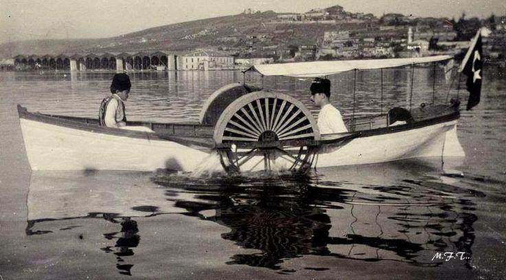 İstanbul / Haliç (Ada vapuru yandan çarklı)