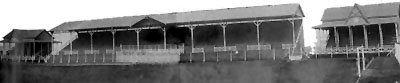 Viejo estadio de madera de Racing Club de Avellaneda. Ubicado donde se encuentra el actual de cemento, fue utilizado desde la fundación del club en 1903 hasta 1946. Allí se jugó el 24 de agosto de 1913 el primer River-Boca de la historia, además fue escenario en 1916 del primer Campeonato Sudamericano (hoy Copa América)