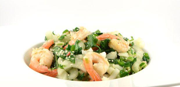 Dit paksoi met grote garnalen (gamba's) recept is zo'n echt wok recept. Door de ingrediënten krijg het ook een Asiatisch tintje. Lekker snel en gezond.