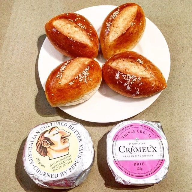 #Celebrating #LabourDay with the sensationally tasty #labour of #LocalProducers: fresh #brioche from the legendary #CrèmeBrûlée #Patisserie in #BellevueHill, in #Sydney, with #HandCrafted #butter by #PepeSaya from #Tempe in #NSW, and triple cream #brie by #Crémeux from the #AdelaideHills in #SouthAustralia, paired with a #pear #cider by #MaggieBeer from the #BarossaValley ... Happy Labour Day #LongWeekend @PepeSaya, @CremeuxCheese, and @Maggie_Beer! #LocalProduce #gourmet #Australia