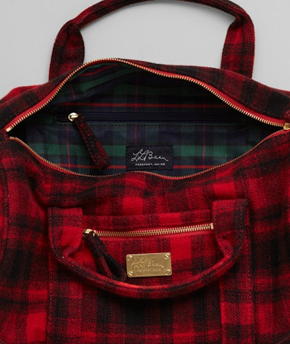 LL Bean Signature: Downeaster Sport Wool Bag, Plaid: {love the bag, love the lining}