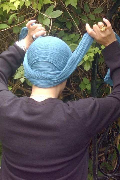 tying a turban; alopecia hair loss, hats for hair loss