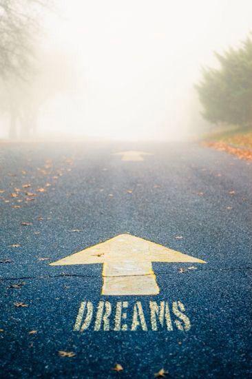 ¡Sigue tus sueños! ;-) Afronta el miedo; haz psicoterapia; positivízate!