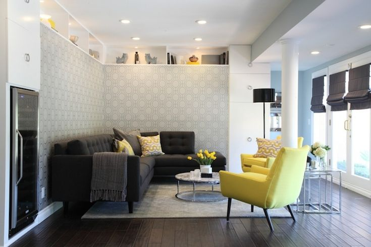 Turquoise la living rooms smart round marble top for Dark yellow living room