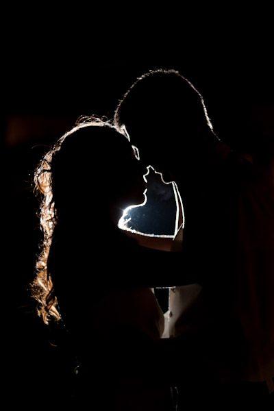couples shadows create heart