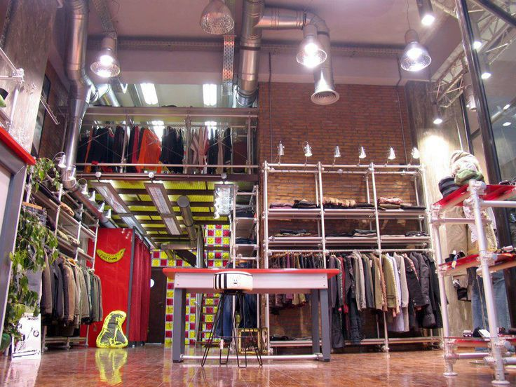 CASUAL DRESS SHOP'S DETAIL