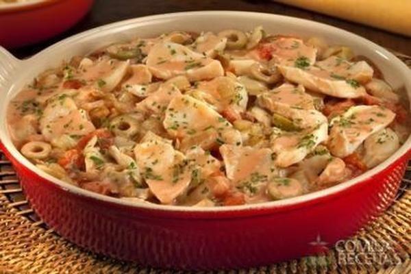 Receita de Fricassê de bacalhau especial em receitas de peixes, veja essa e outras receitas aqui!