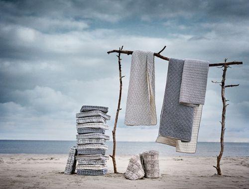 beach decor | Sea Senses: Beach-Inspired Home Decor ,,,,my type of clothes line!!!