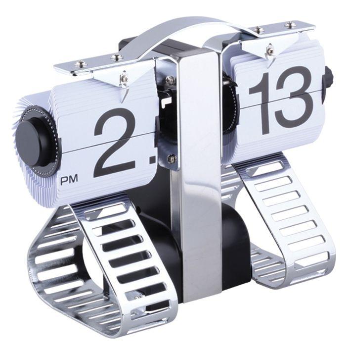 Verso Özel Masa Saati Modeli  Ürün Bilgisi ;  Plastik ve metal parçalardan tasarlanmıştır. Ebatı : 21 cm x 16 cm x 6 cm Sessiz çalışır Zaman geçtikçe yaprak atar Özel bir masa saatidir.