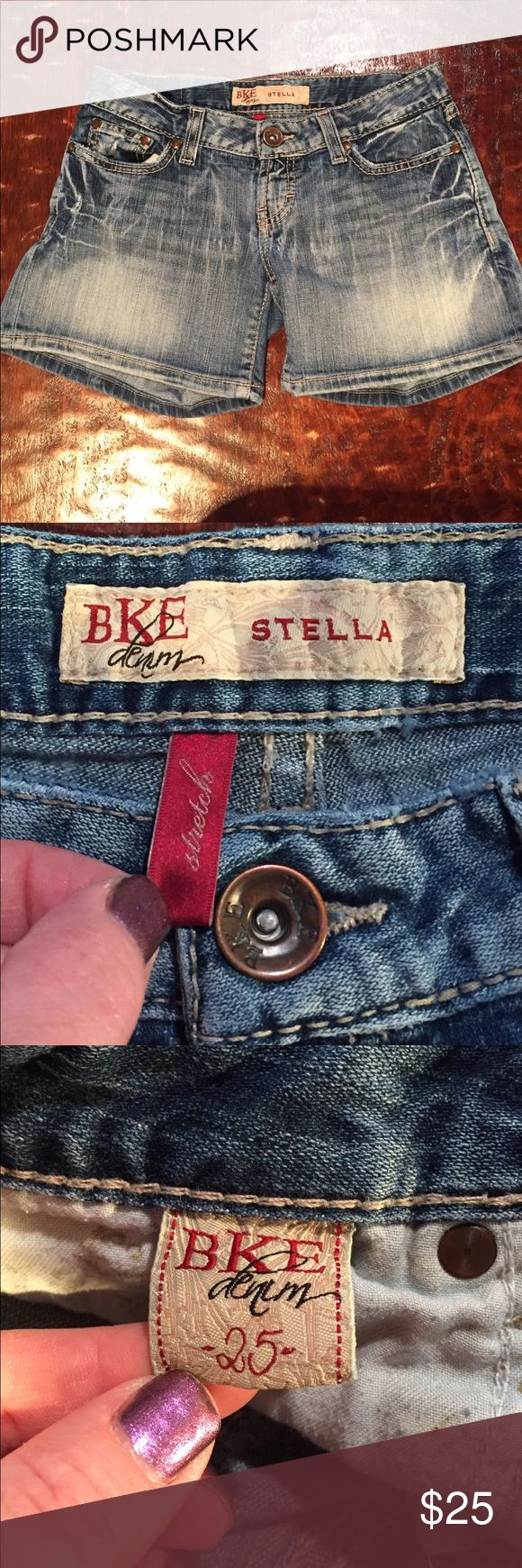 """BKE Stella Stretch Shorts Size 25 BKE Stella Stretch Shorts Size 25. Shorts have a 4"""" inseam. Shorts are in excellent condition with no signs of wear. Comes from a Smoke Free/Pet Friendly home. Offers always welcome. BKE Shorts Jean Shorts"""
