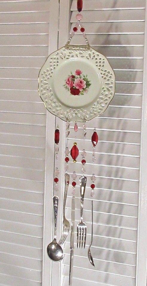 Llamador //DIY //  Encontrado en etsy.com Wind Chime - Formalities Victorian Rose Plate Wind Chime - Silverware Wind Chime…