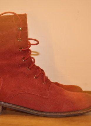 Kaufe meinen Artikel bei #Kleiderkreisel http://www.kleiderkreisel.de/damenschuhe/schnurstiefel/140047323-rote-wildlederstiefel