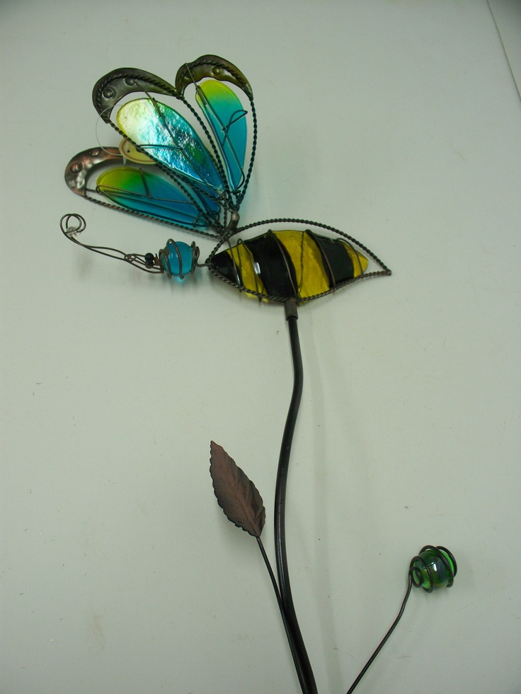 Frontdoorfinds P1883 Stained Glass Metal Garden Stake Bee Topper 65 X 9