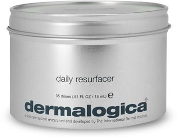 The Christmas lights won't be the only thing glowing this holiday season if you have 10  minutes and $10 dollars.    The Dermalogica® 10 Minute FaceFit℠ Express Facial features the latest skincare trends and products, this express treatment will give you glowing skin for days.