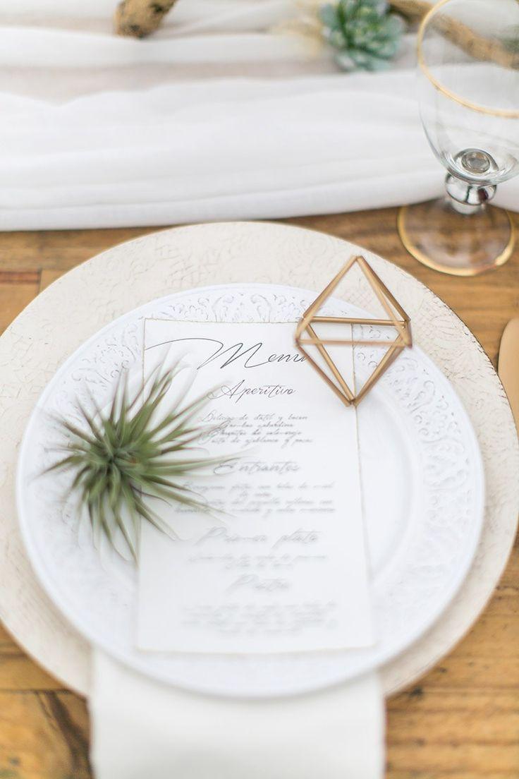 Modern wedding table setting #modernwedding #tablesetting