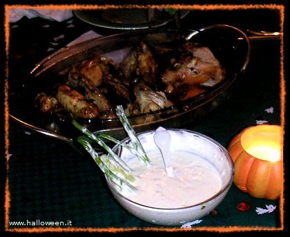 Ricetta Ali di pipistrello e salsa paludosa.. halloween da Amore x la cucina
